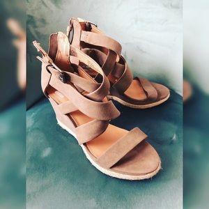 Cute beige color wedge sandals